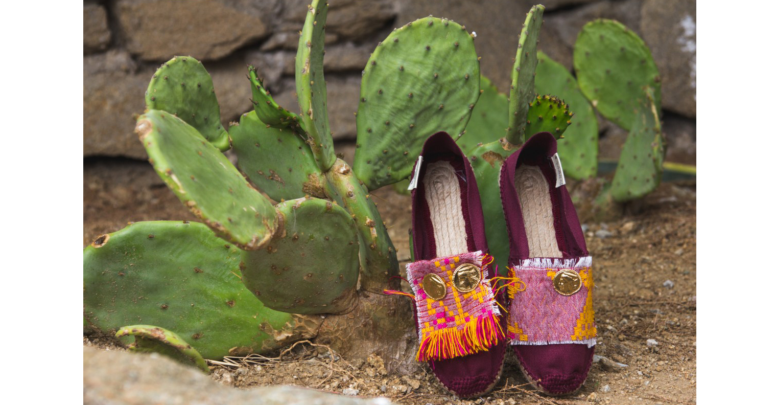 SHOP NOW Folklore on coins Espadrilles
