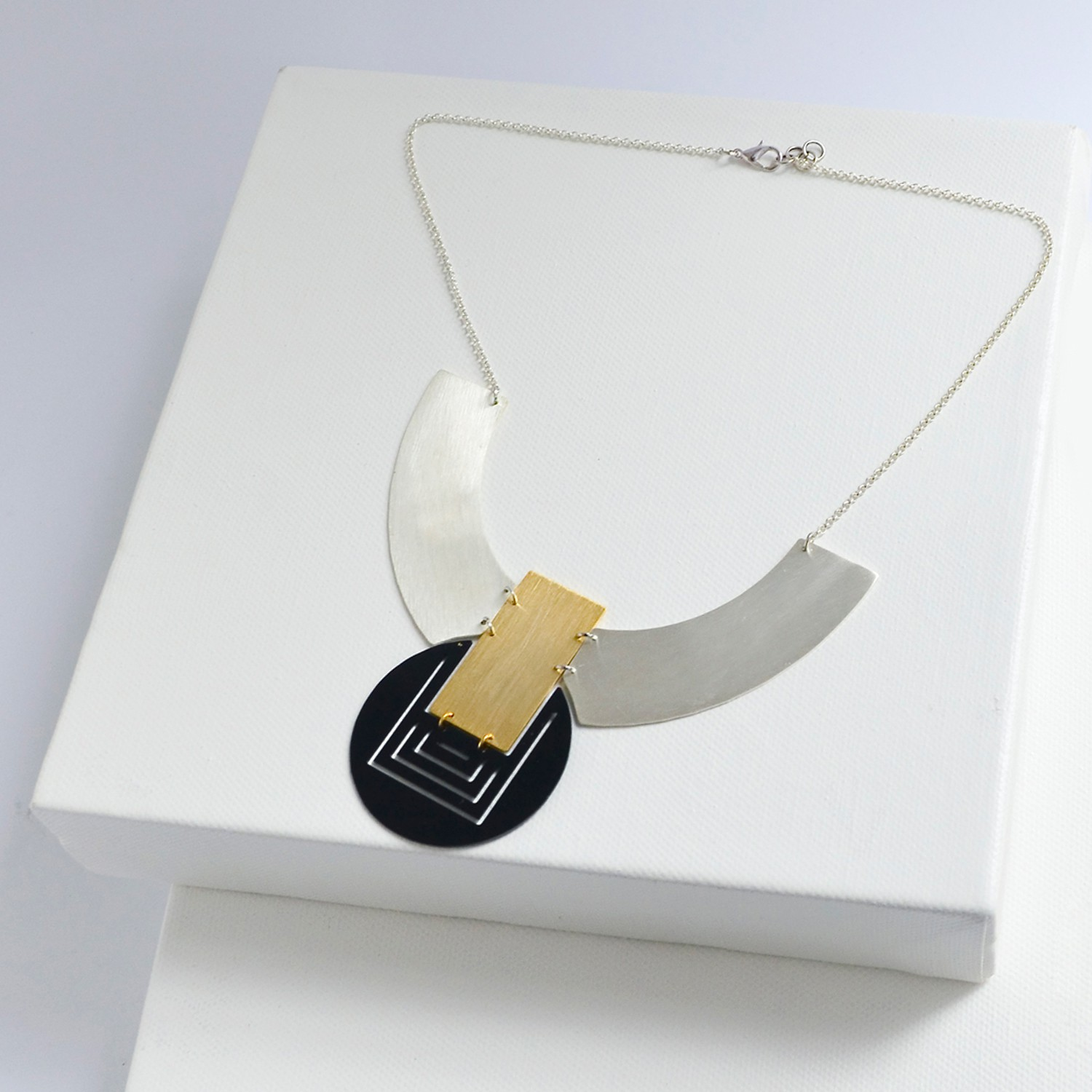 MEET THE CAT Orbit Necklace