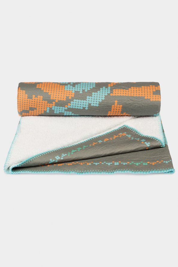 POSTFOLK Oniyuri Wealth Beach Towel